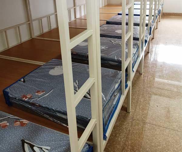 Thi công, lắp đặt chăn ga gối đệm cho trường THPT khoa học giáo dục